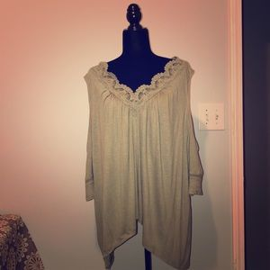 Maurice's 3XL cold shoulder blouse